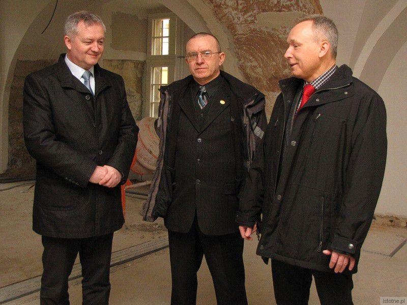 Dariusz Kwaśniewski, Adam Baniecki i Janusz Gołaszewski z-index: 0