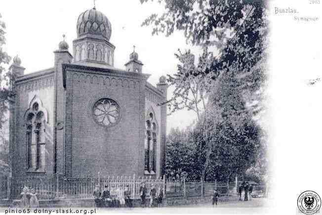 Pocztówka z 1900 roku prezentująca synagogę