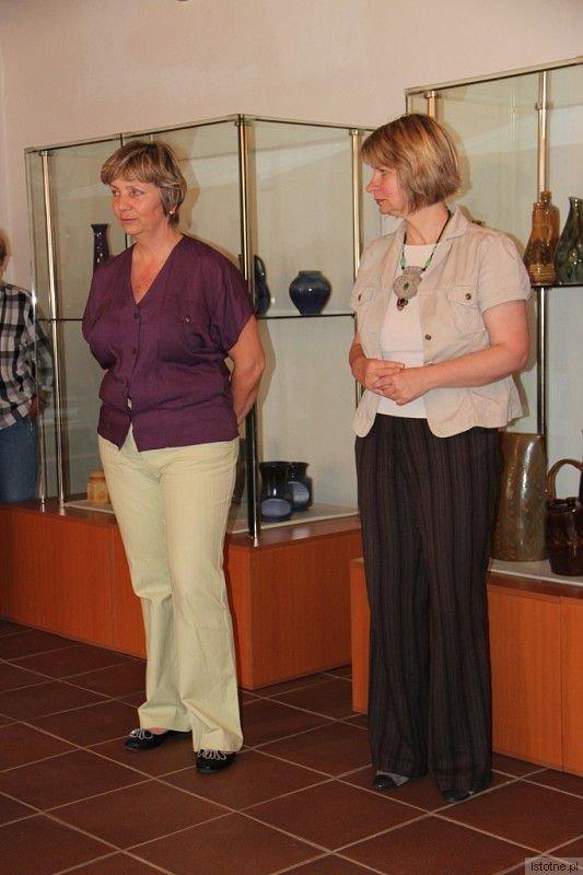 Wystawę otworzyła Blanka Zázvorková (po lewej), kierująca Muzeum we Vrchlabí oraz Anna Bober-Tubaj