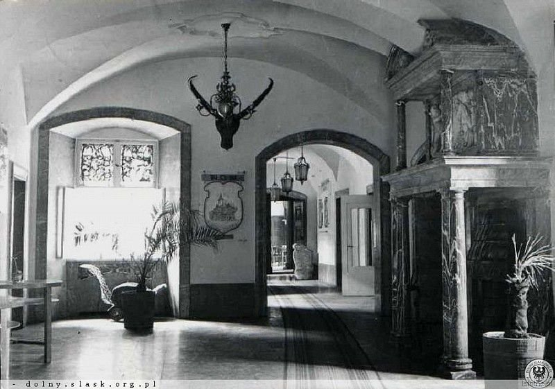 Wnętrza zamkowe w okresie PRL-u