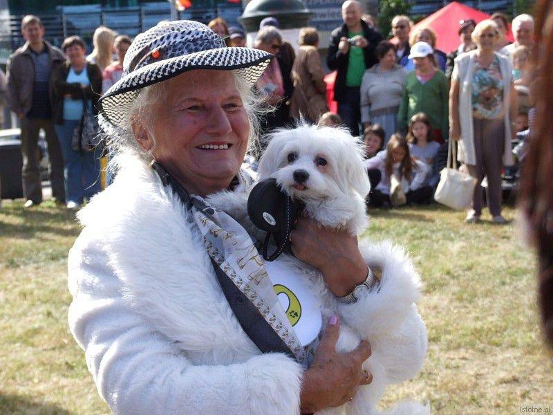Pies Alberto i jego właścicielka Wiktoria Kalich