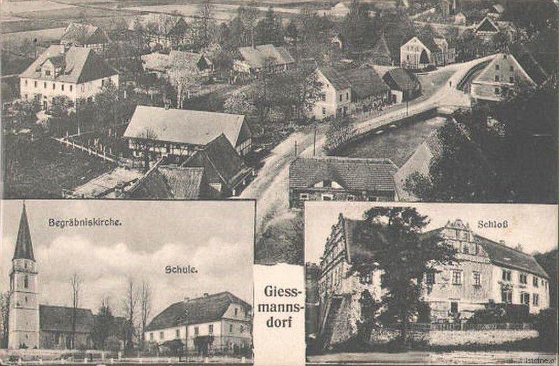 Na karcie pocztowej z pierwszej połowy XX wieku widzimy: widok ogólny na wieś, kościół, szkołę oraz pałac