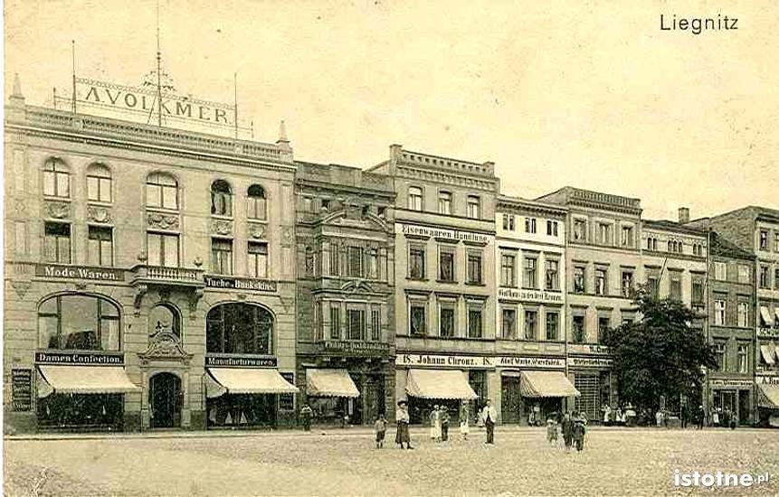 Dom handlowy Volkmer na legnickim Rynku pod koniec XIX w.