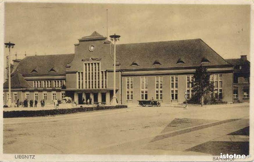 Dworzec kolejowy w 1930 r.