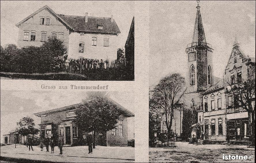 Na pocztówce widzimy szkołę, przystanek kolejowy i kościół