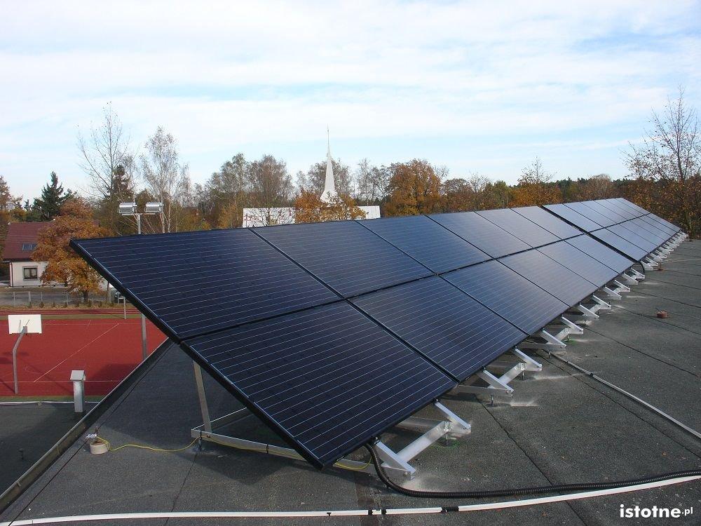 Otwarcie mikroelektrowni słonecznej w Raszówce