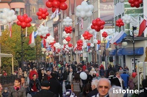 Legniczanie radośnie obchodzili Narodowe Święto Niepodległości