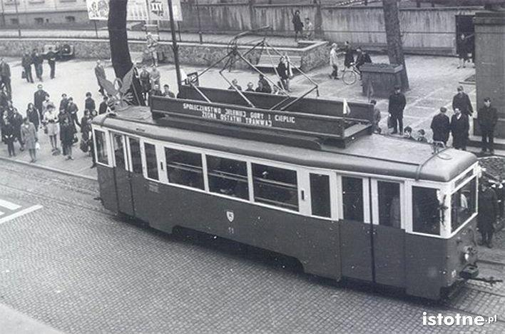 Tramwaj na ulicy Bankowej w 1969 r.
