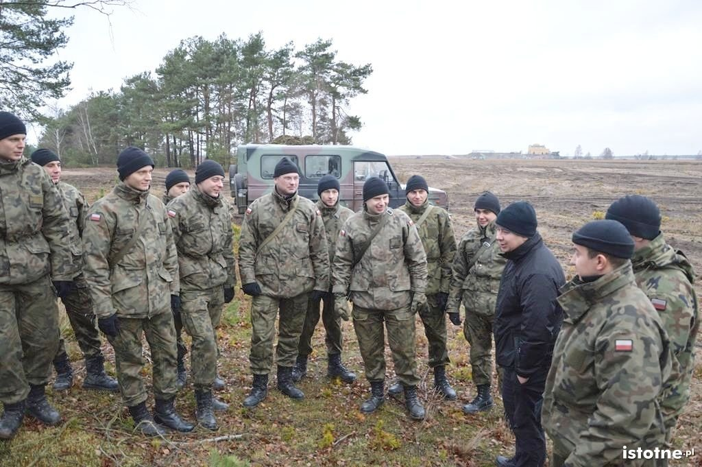 Adam Małysz na szkoleniu bolesławieckich żołnierzy z-index: 0