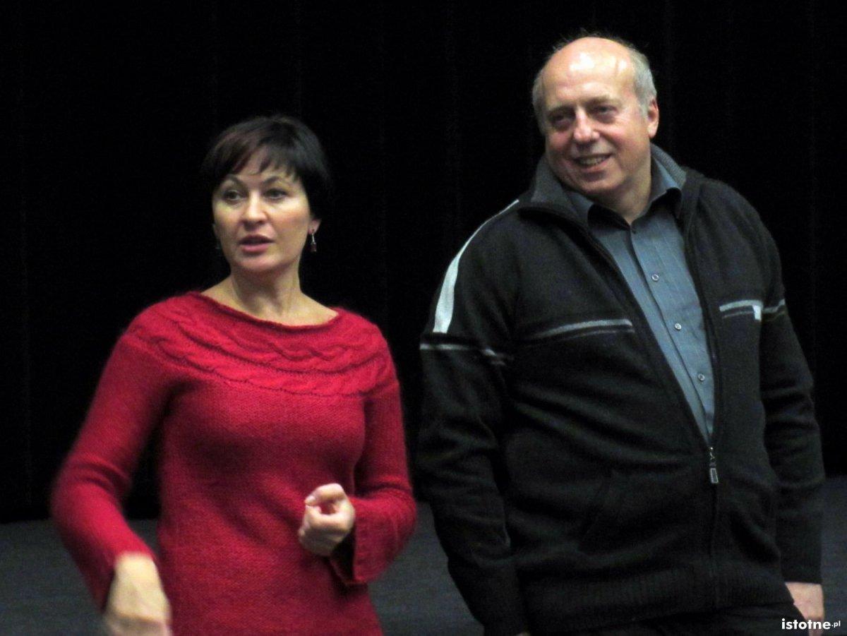 Ewa Lijewska-Małachowska i Zdzisław Czyżowicz gratulują młodzieży