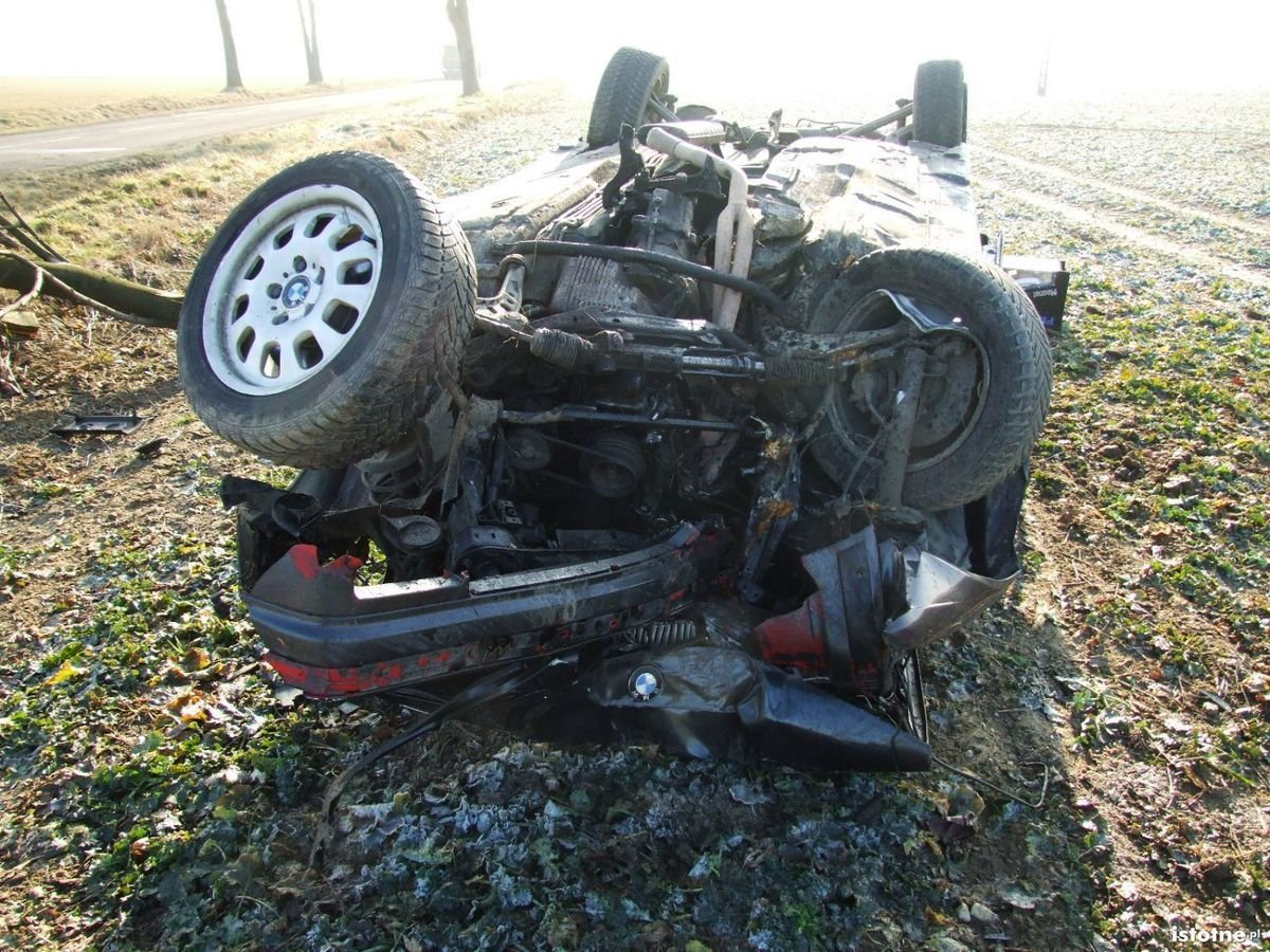 BMW dachowało koło Łazisk