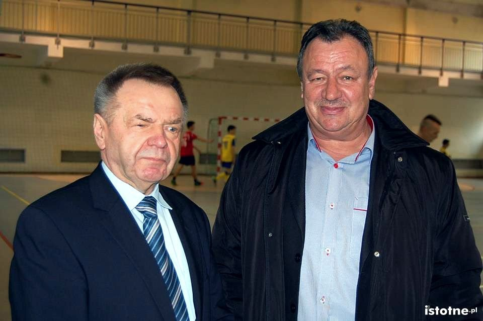Członkowie Zarządu Powiatu: etatowy Stanisław Chwojnicki i nieetatowy Zbigniew Mitera