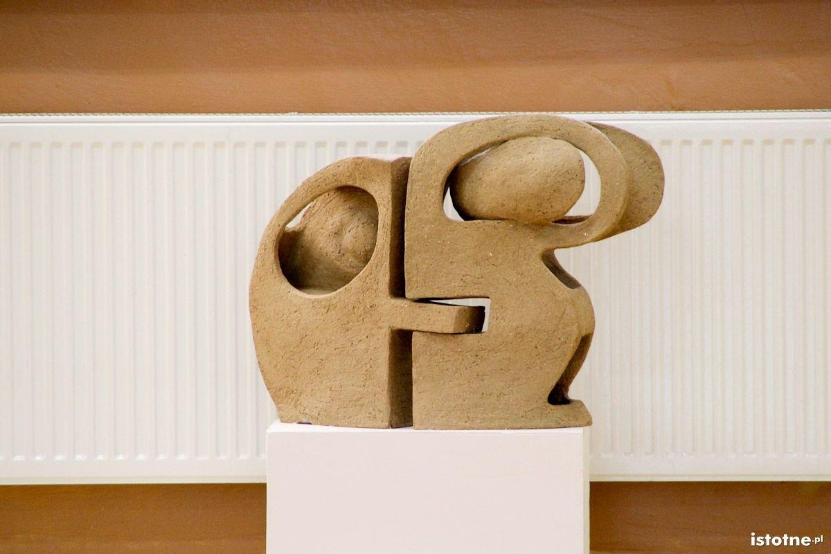 Rzeźby z pleneru w II LO