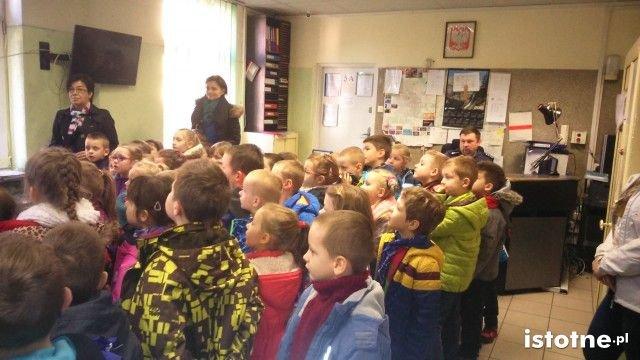 Przedszkolaki w komendzie