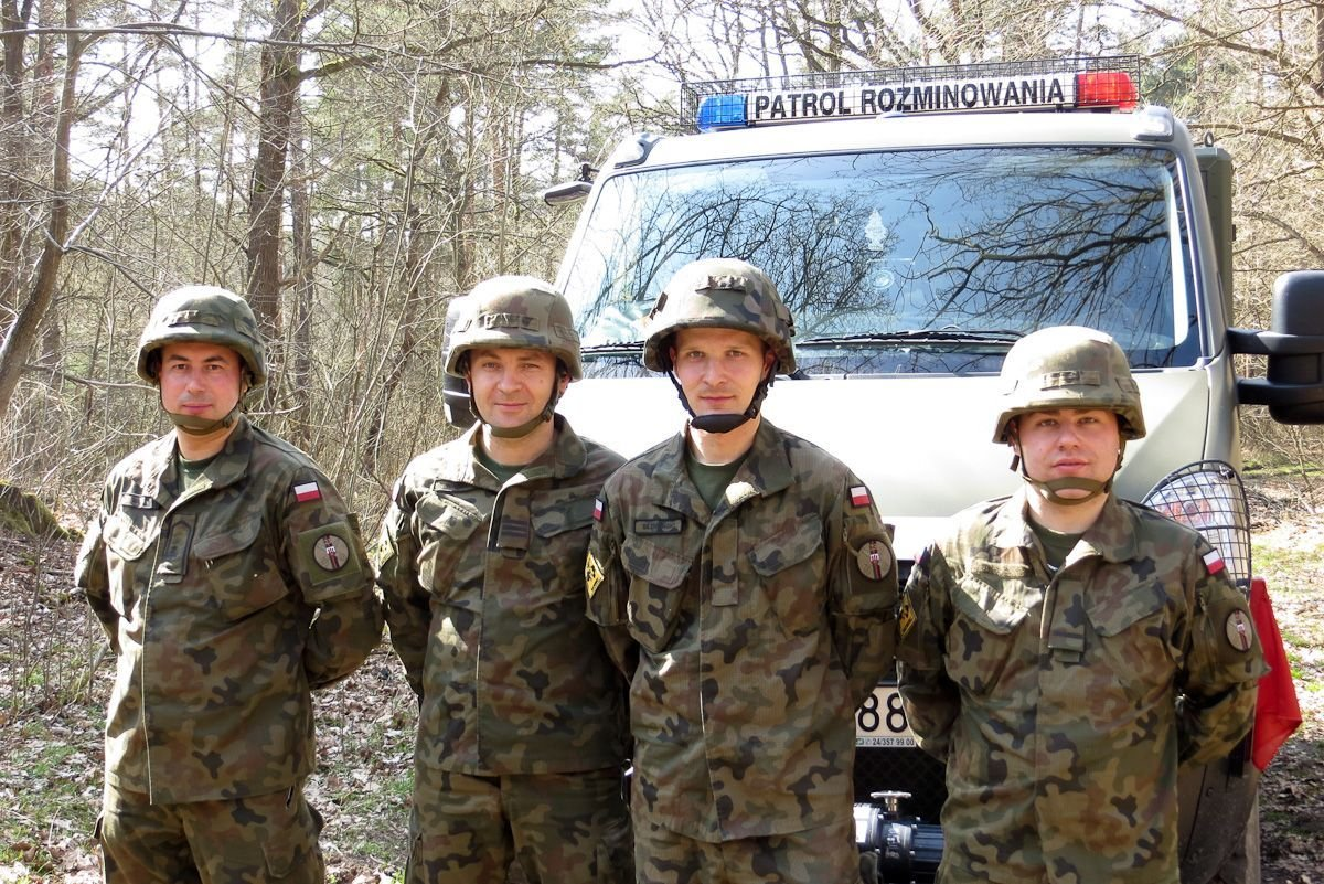 Chorąży Radosław Mazur, starszy kapral Andrzej Walęga, szeregowy Marek Słowiński i starszy szeregowy Mateusz Zioła
