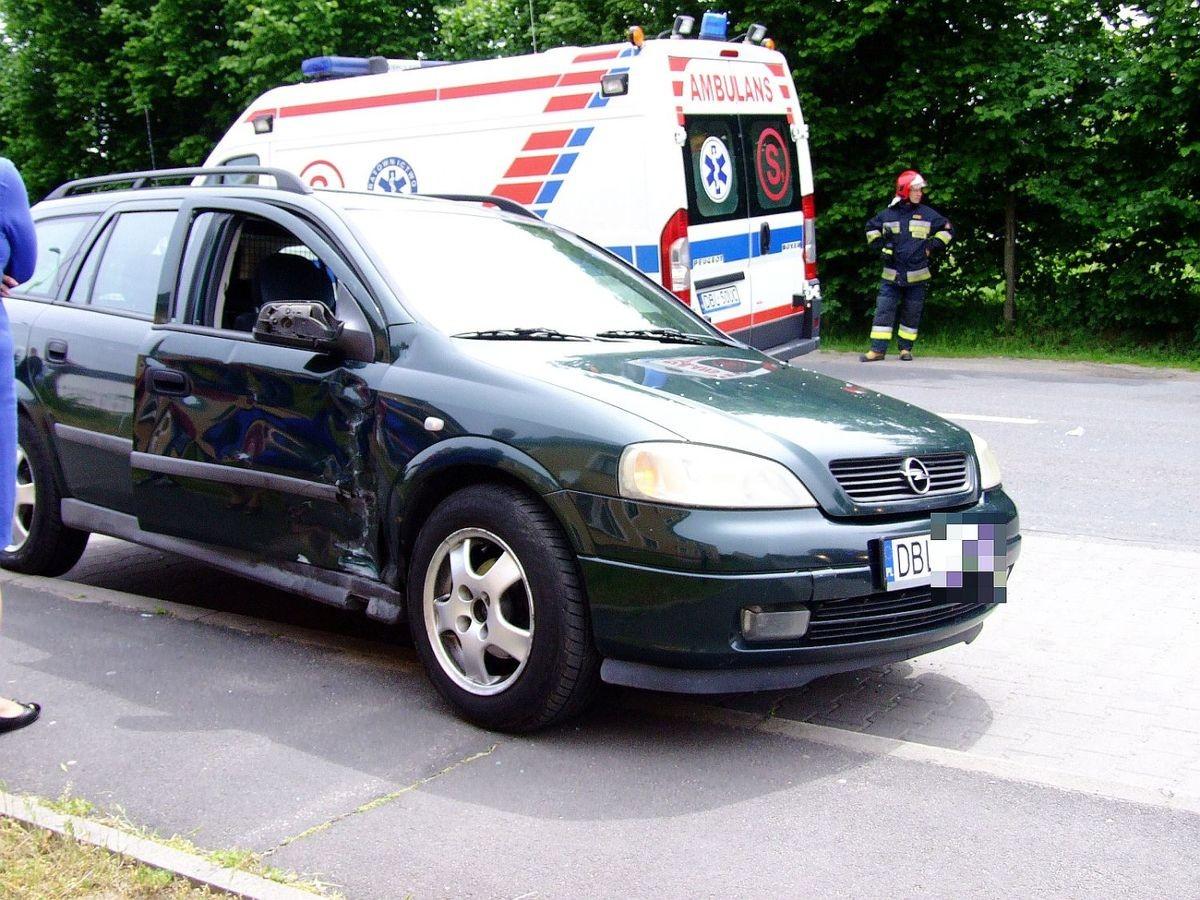 Zderzenie motocykla z autem w Łaziskach