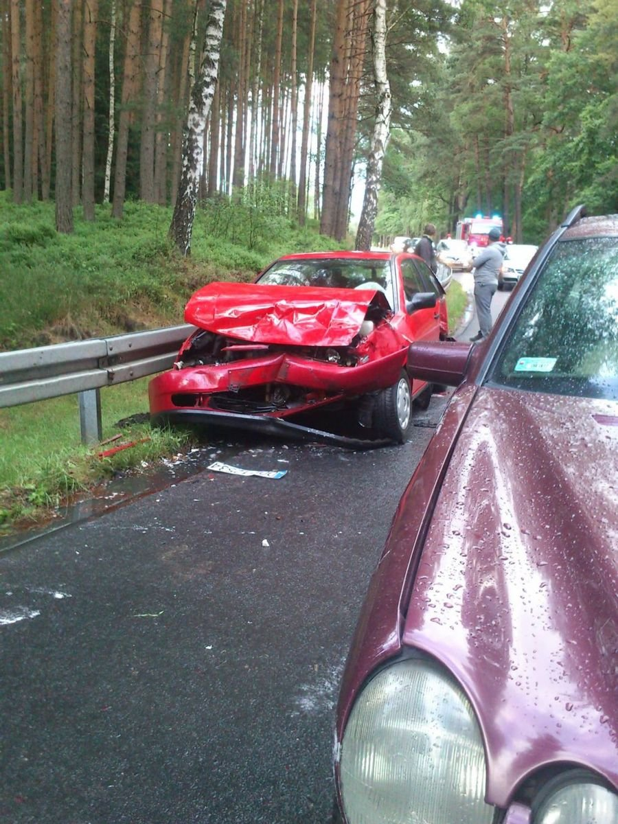 Wypadek samochodowy na drodze do Kliczkowa