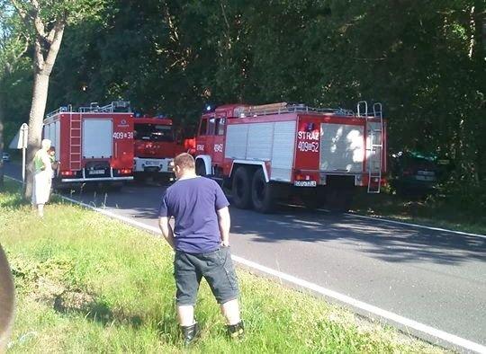 Auto wypadło z drogi koło Parowej