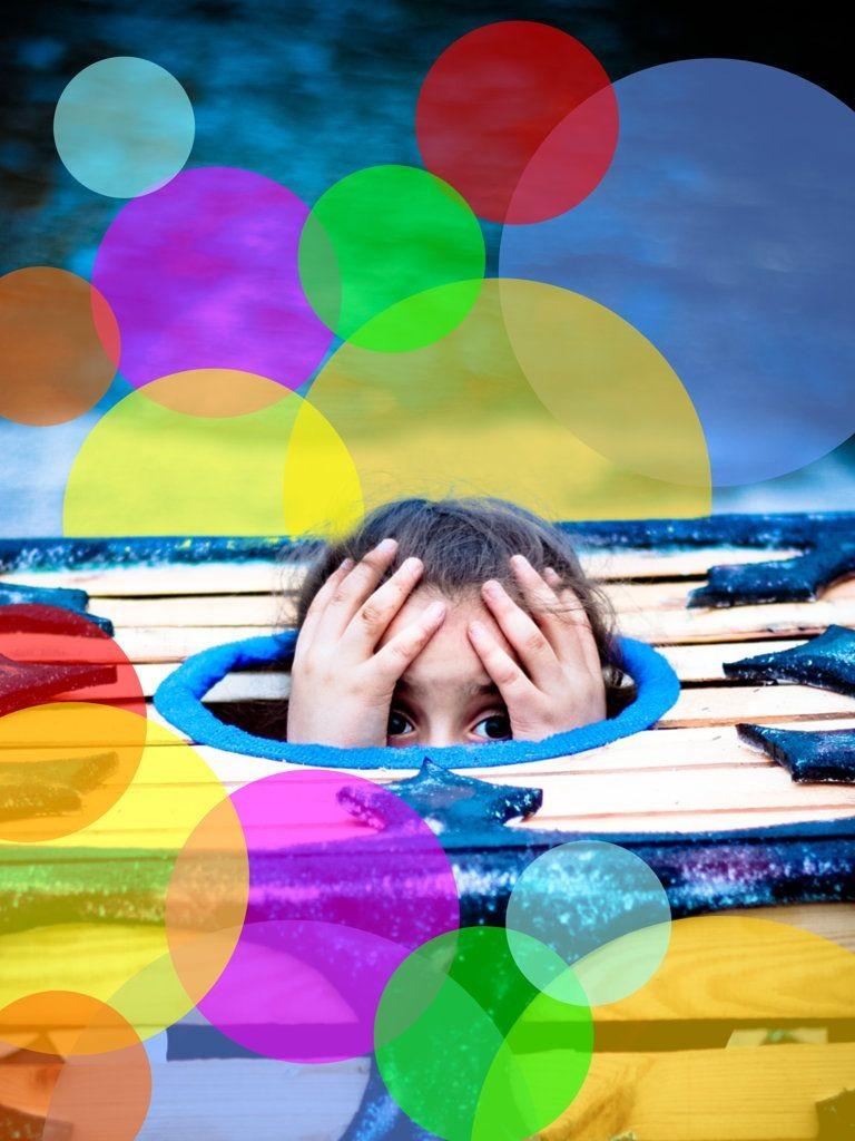 Plakat dziewczynka-skrzynka emocje