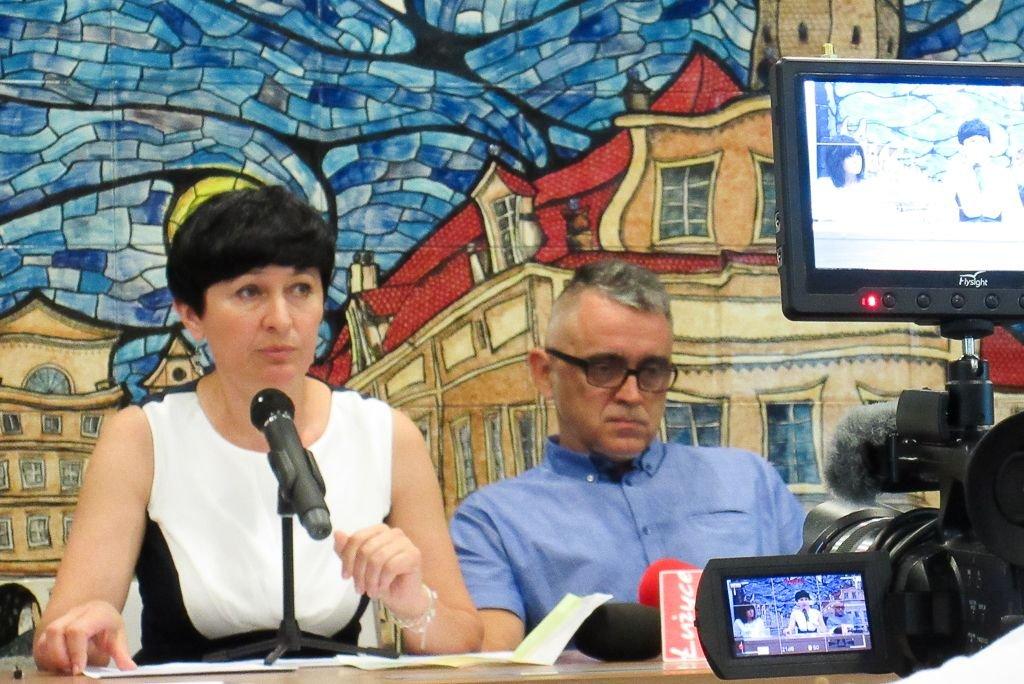 Ewa Lijewska-Małachowska i Mariusz Lickiewicz podczas konferencji