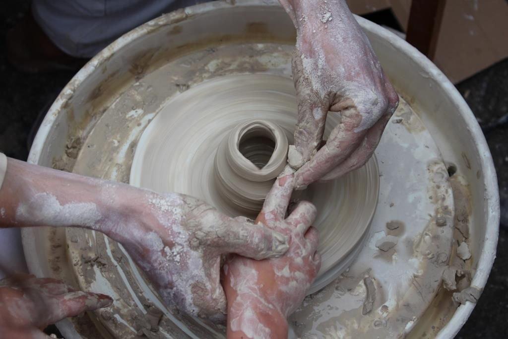 Muzeum Ceramiki wystawa Krzysztofa Rozpondka