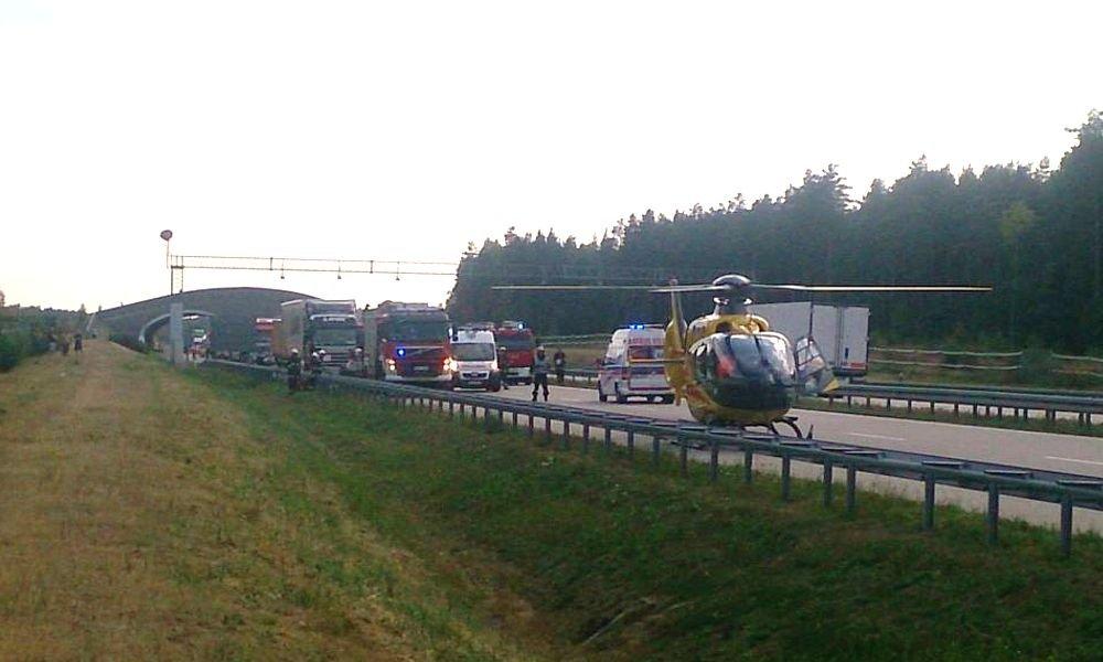 Trzy osoby ranne w wypadku na A4