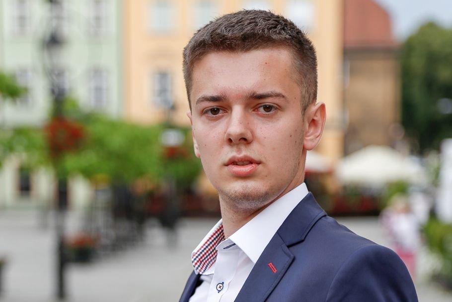 Paweł Sak lat 21