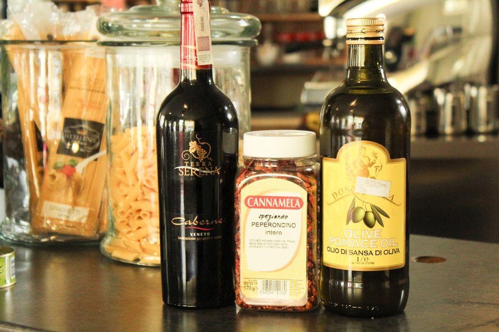 Bella Italia - prawdziwie włoska pizzeria, kawiarnia, czekoladziarnia z-index: 0