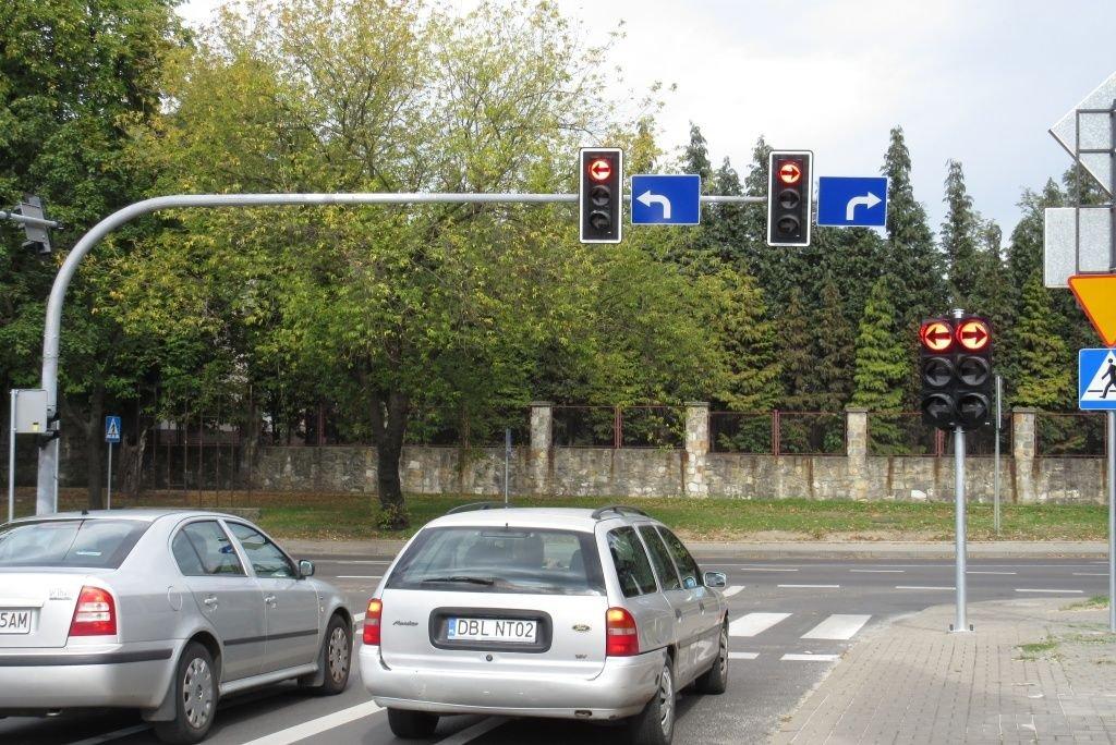 Sygnalizacja świetlna koło Carreforura