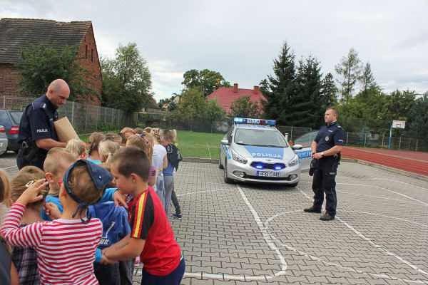"""""""Bezpieczna droga do szkoły"""" w Biernej i Sulikowie"""