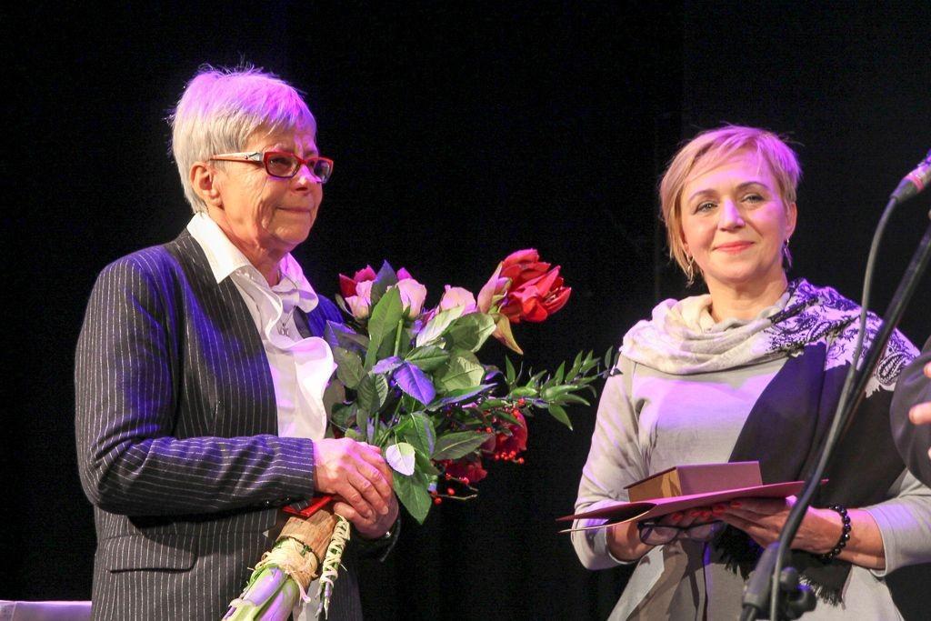 Wręczenie medalu Gloria Artis Krystynie Juszkiewicz