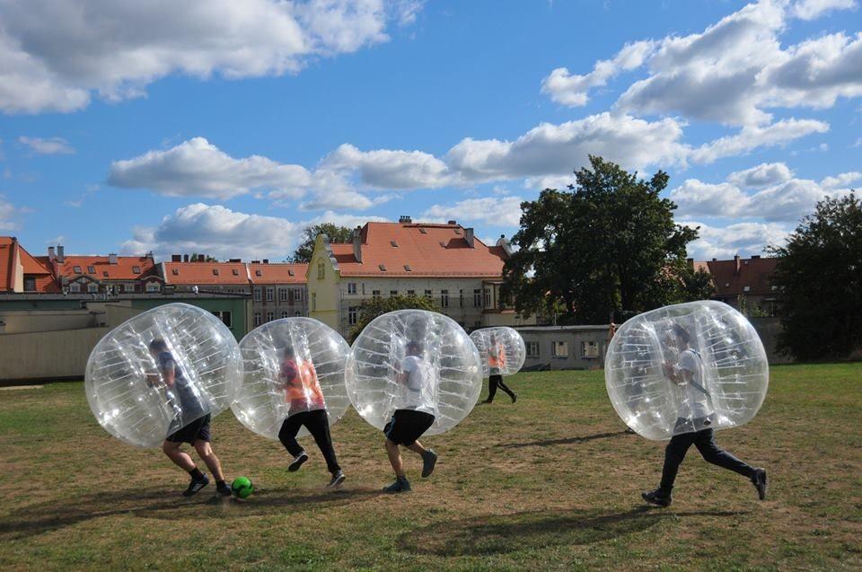 Najlepsza zabawa jesienią i zimą tylko z Bubble Football