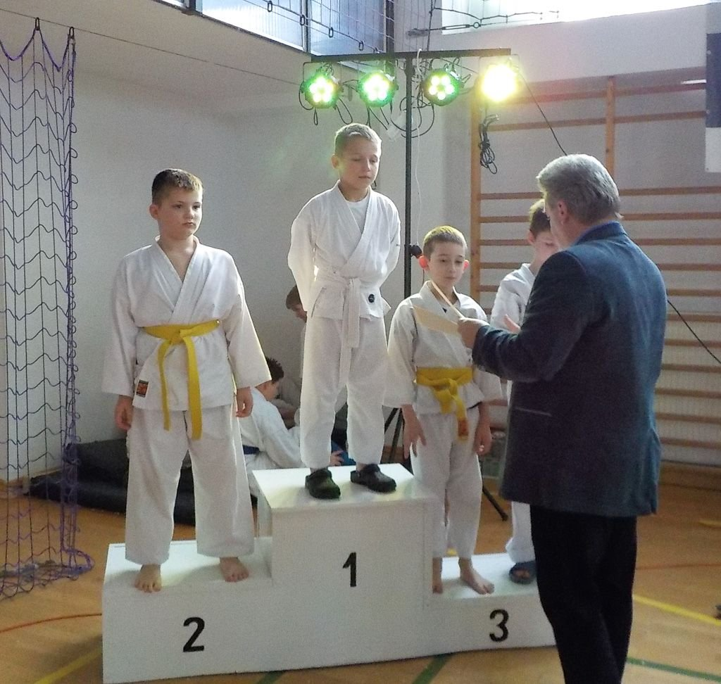 Karatecy TOP z 9 medalami Mikołajkowego Turnieju Karate