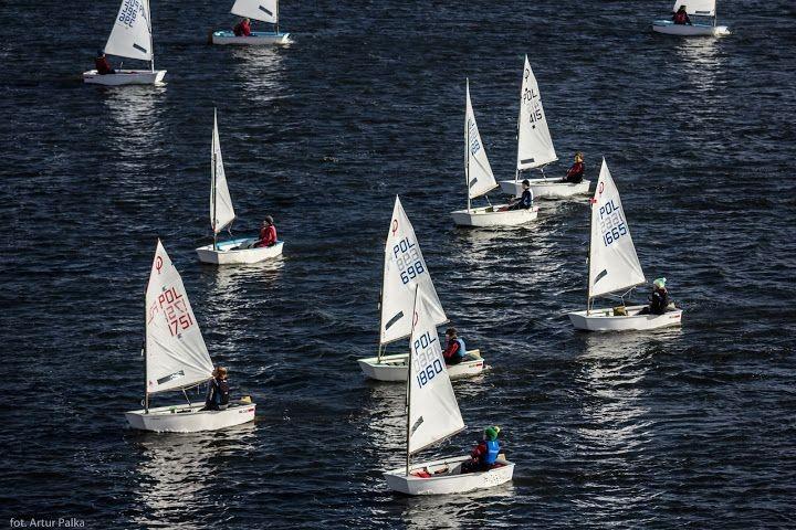 Udany start w regatach żeglarskich z-index: 0