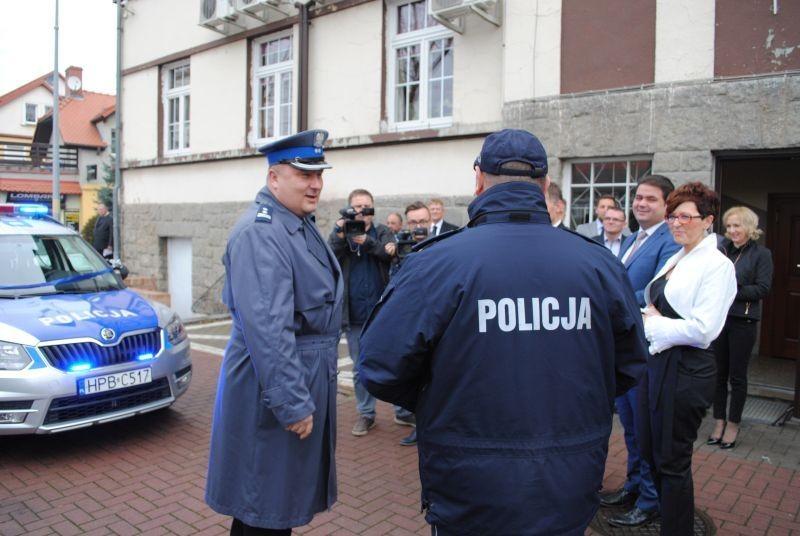Bogatyńscy policjanci mają nowe samochody