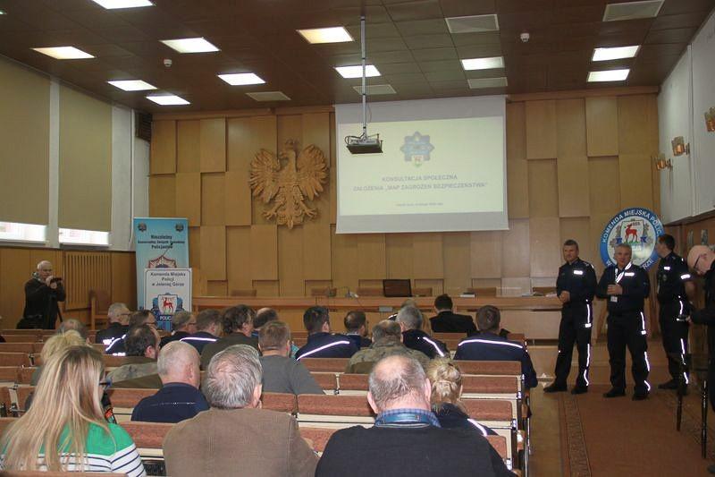 Debata na temat systemowej oceny zagrożeń w regionie
