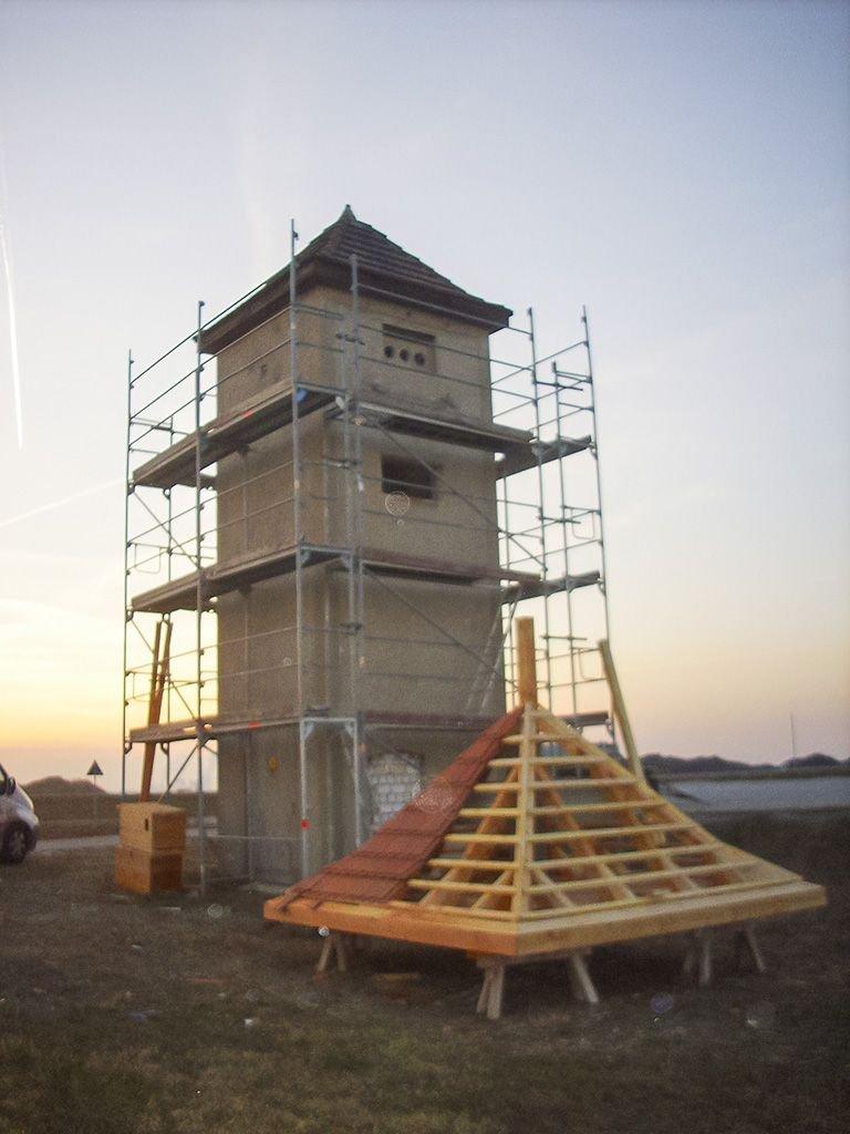 """Trwa budowa """"mieszkań"""" dla rodzimych zwierząt"""