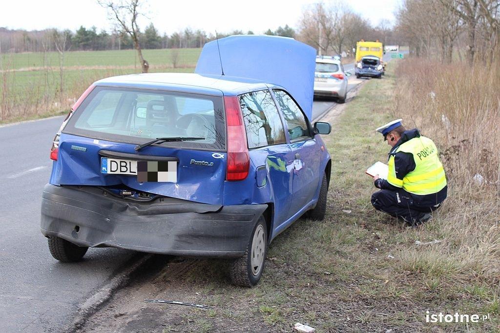 Pięć osób rannych po zderzeniu cieżarówki i dwóch osobówek