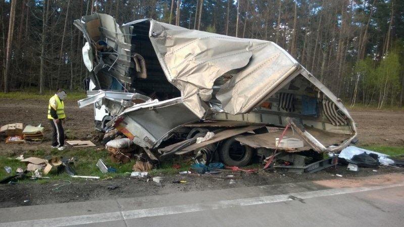 Ciężarówka po wypadku