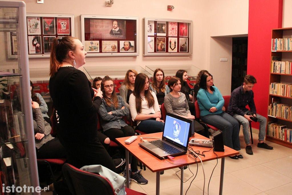Grażyna Hanaf na spotkaniu z Zespole Szkół Ogólnokształcących i Zawodowych