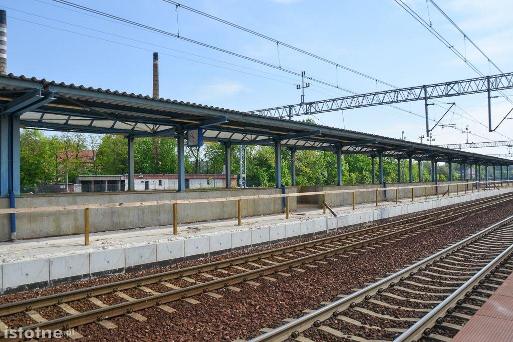 Dworzec PKP, peron nr 2, zdjęcie wykonane w piątek 13 maja