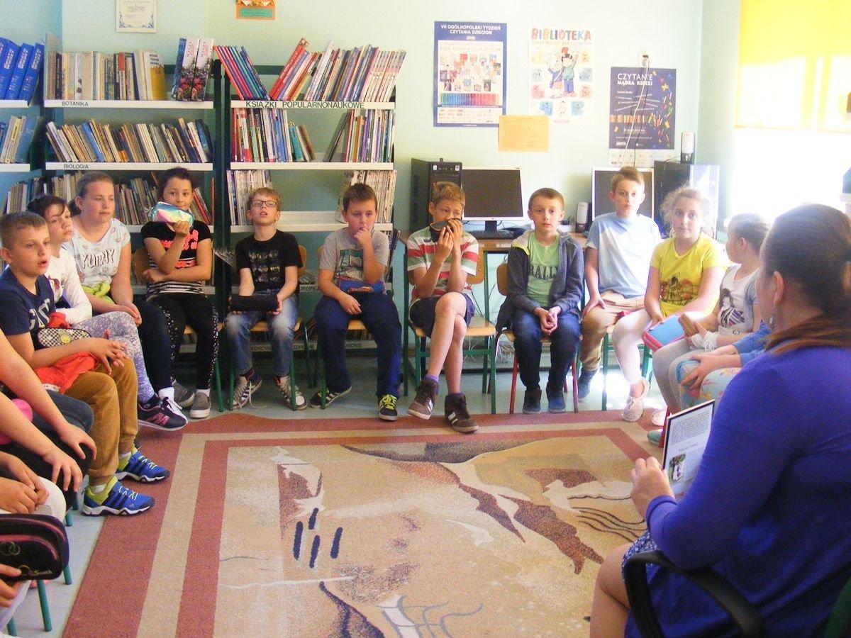 Bajkowe warsztaty wspierające Fundację Zbigniewa Religii w SP nr 3