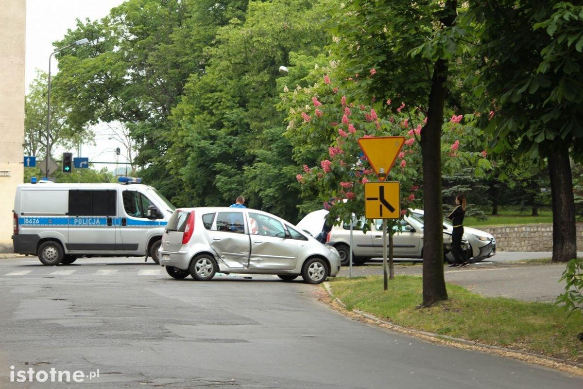 Kolizja na skrzyżowaniu ulic Tamka z Daszyńskiego