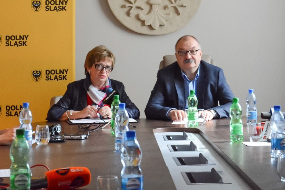 Województwo: prawie 23 mln zł na drogi wiejskie