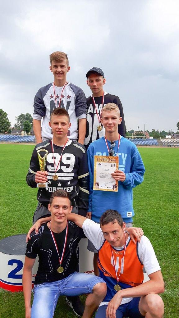 Lekkoatleci z Gimnazjum nr 2 mistrzami Dolnego Śląska