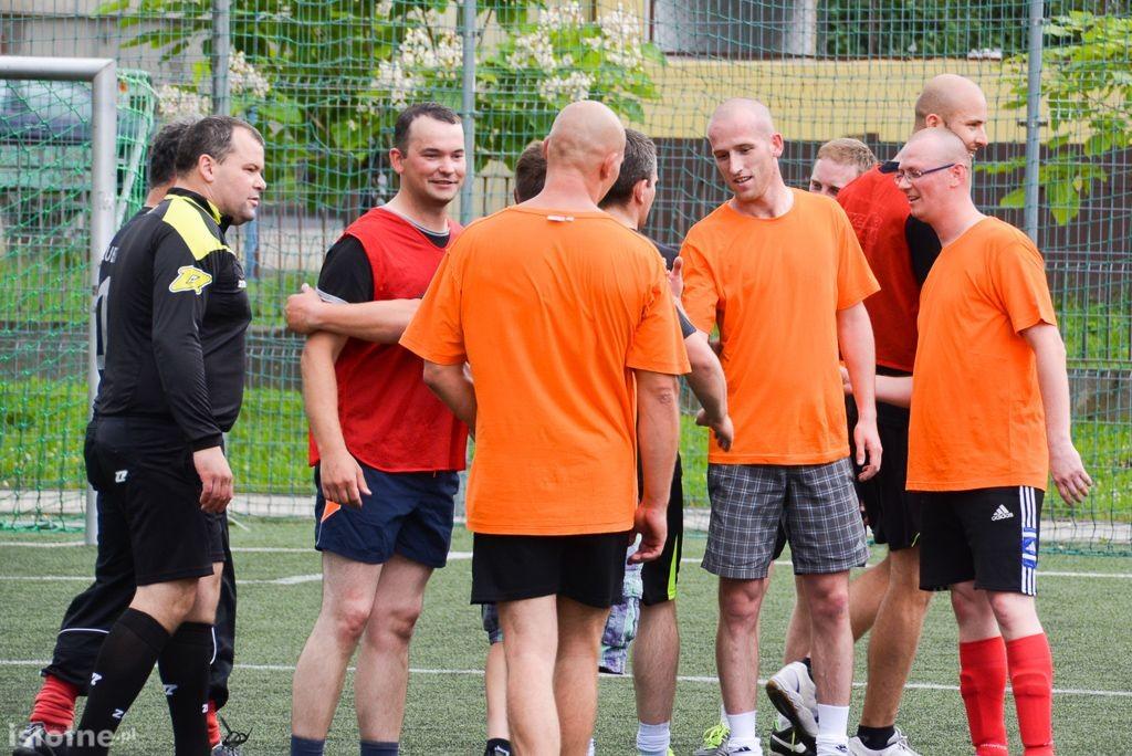 Piłkarski turniej górników z 3 kopalń na Orliku przy II LO