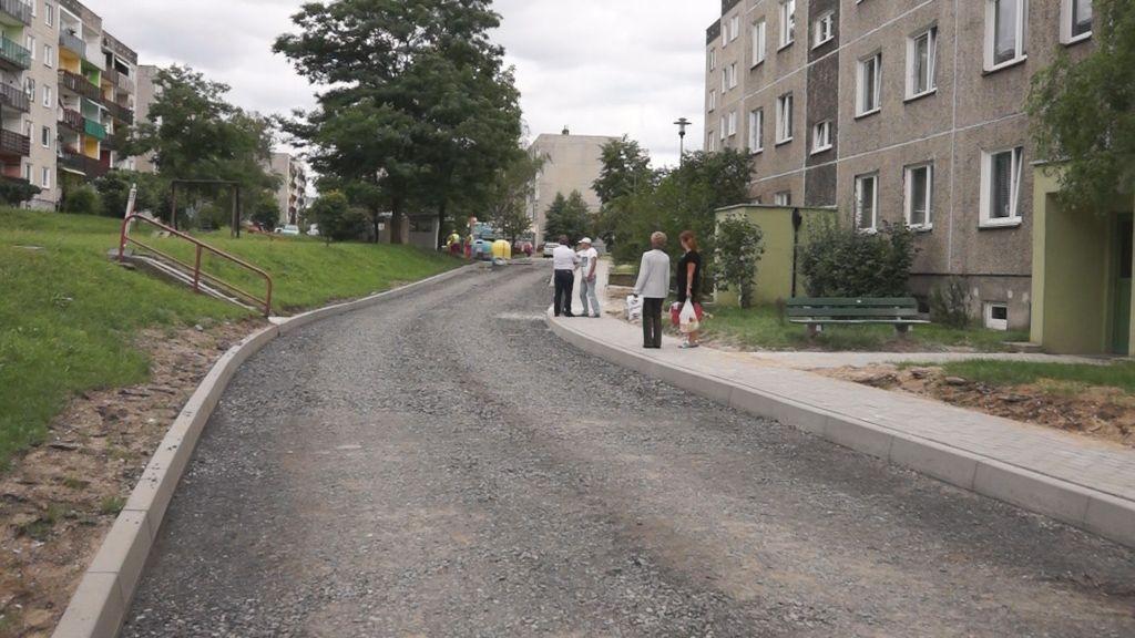 Trwa przebudowa drogi przy Kleeberga i Starzyńskiego