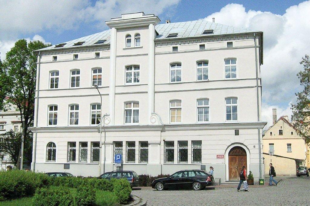Budynek dawnego banku w Wołowie – miejsce napadu
