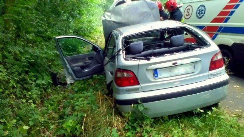 Wypadek koło Brzeźnika, dwie osoby ranne
