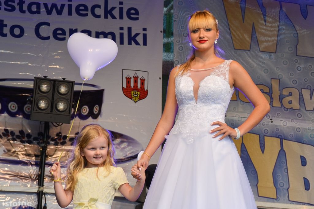 Paulina Pawłowicz i Kamil Wieczorek Miss i Misterem z-index: 0
